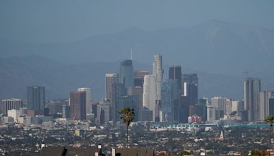 Los Angeles County to introduce vaccination mandate for bars, clubs, and other indoor spaces