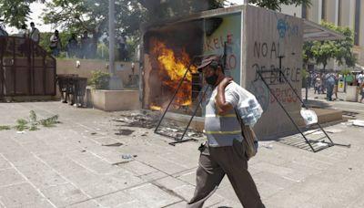 反對加密貨幣「扶正」!薩爾瓦多民眾憂心不買單 怒燒比特幣ATM