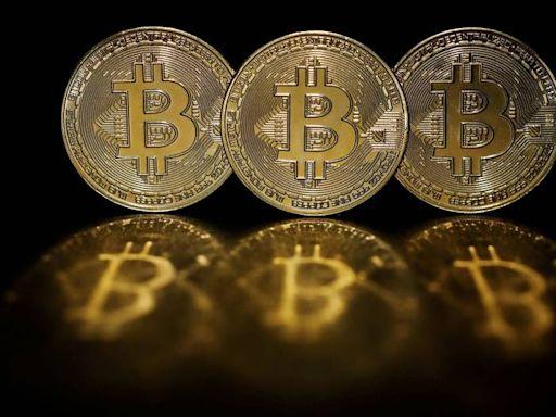 比特幣形成「死亡交叉」! 分析師警告:恐跌穿3萬美元 - 自由財經
