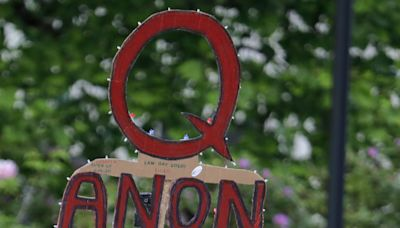 Fact check: False rumor that QAnon supporters buying tickets for Trump inauguration