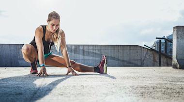 馬拉松|緩和運動 5個拉筋動作避免勞損發炎 - 香港健康新聞 | 最新健康消息 | 都市健康快訊 - am730