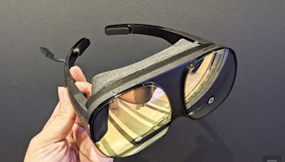HTC Vive Flow 動頭戴:輕量、簡單的 VR 眼鏡
