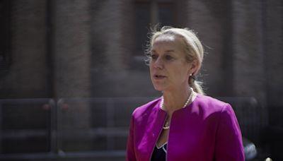 荷蘭外交大臣卡格因處理阿富汗危機問題宣布辭職 - RTHK