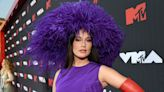 Kacey Musgraves Tips Her Hat To Pamela Anderson's 1999 MTV VMAs Look