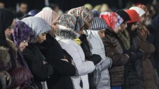 Quebec Muslims Troubled By Proposal To Ban Public Officials' Wearing Hijabs, Kippas