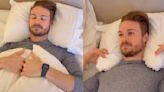 Así debes colocar las almohadas para evitar el dolor de espalda y la rigidez