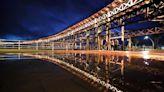 El Muelle de la Rio Tinto iluminado