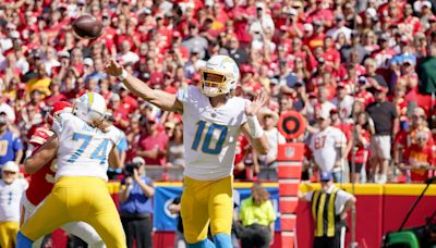 Justin Herbert leads Chargers to 4th quarter comeback over Chiefs