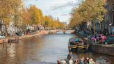 阿姆斯特丹超夯運河「釣魚」體驗 竟是花錢撈垃圾