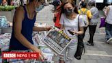 警察搜查後香港《蘋果》加印 兩高層被起訴「串謀勾結」罪