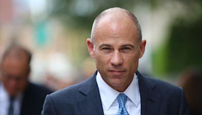 Michael Avenatti tests judge's patience with opening statement at his embezzlement trial