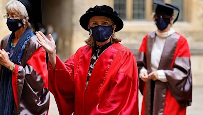 Hillary Clinton 'Delighted' to Receive Honorary Degree from Oxford