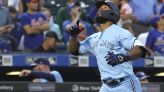 Hernández hits 2 of Toronto's 5 homers in 10-3 win over Mets