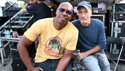 Jon Stewart Says Dave Chappelle's Intentions Are 'Never Hurtful' Amid Netflix Controversy