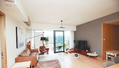 附設賞景露台 迎海木系廳堂柔和舒適