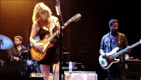 """Saturday Sessions: Tedeschi Trucks Band perform """"Key To The Highway"""""""