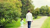 永遠的外出/當父親即將離世:換成我自己生病,一定也想知道真相
