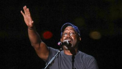 Darius Rucker to sing national anthem at Bills-Dolphins