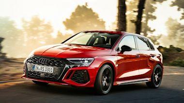 又是一次兩台,新世代鋼砲王降臨!Audi 正式發表全新 2022 年式樣 RS3 Sportback、Sedan 車型,侵略感十足包君滿意