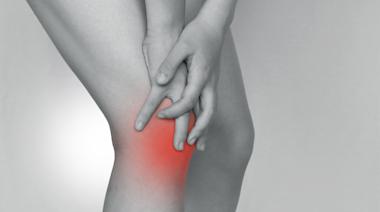 膝蓋常常反覆疼痛?中醫師:2方法治療「退化性膝關節炎」
