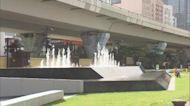 觀塘海濱花園音樂噴泉啟用 吸引長者小孩到來