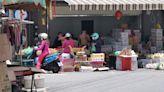 獨家直擊/宜蘭疫情 就是罰不怕!店員不戴口罩還佔路賣水果 民眾痛批「防疫老鼠屎」   蘋果新聞網   蘋果日報