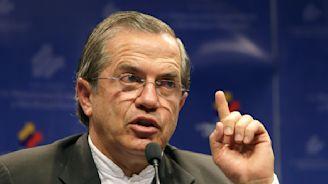 Ecuador orders arrest of former foreign minister
