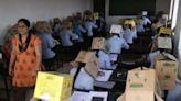 超狂!印度大學要求頭戴紙箱考試防作弊 挨轟不人道:不該把學生當動物對待!