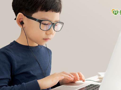 每天在家狂用眼 藍光眼鏡有幫助嗎?   蕃新聞