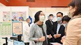 食物及衞生局局長強調接種新冠疫苗和流感疫苗可建立雙重保護並關心醫護人手問題(附圖)