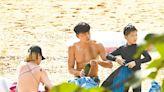 黃浩然沙灘家庭樂消暑 | 蘋果日報