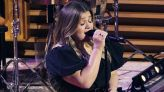 Kelly Clarkson nails Amy Winehouse hit — see her performance of 'Valerie'