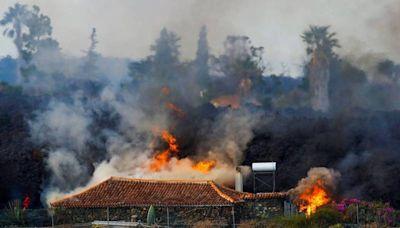 西班牙百棟房毀於岩漿 旅遊部長竟讚火山噴發「精彩表演」