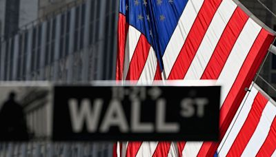 U.S. stocks end steady but post gains for week after volatile trading