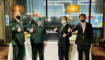 龔明鑫代表捐贈立陶宛警用無人機與毛毯 外交部:擴大溫暖的良善循環 | 蘋果新聞網 | 蘋果日報