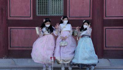 韓國疫情燒 總理:最快年底摘口罩