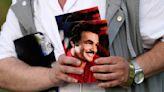 Bronze bust unveiled at Burt Reynolds' Hollywood gravesite