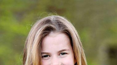 英國夏綠蒂公主6歲了!王室發布可愛照片