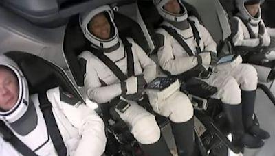 四平民還在太空繞行! SpaceX太空旅完勝兩大對手│TVBS新聞網