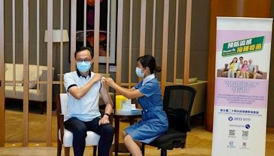 冬季流感將至 聶德權籲市民打齊流感新冠疫苗「最安心」