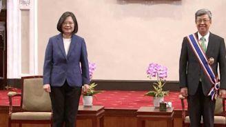 陳建仁今天卸任 蔡總統親送他離開總統府