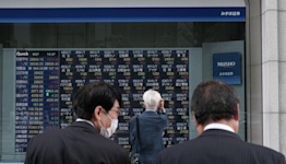 Stocks, Futures Pare Gains on Evergrande Fears: Markets Wrap