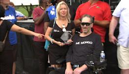 Watch: Bears Legend Steve 'Mongo' McMichael receives ALS Courage Award