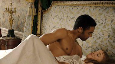 Bridgerton 's Intimacy Coordinator Breaks Down the Show's Sex Scenes: It Was Like a 'Circus'