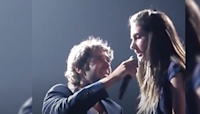 Josh Groban shares mic with teen from audience and she steals the spotlight