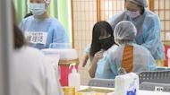 高雄開打BNT! 女學生哭喊「害怕」 台南昨10多暈針不適