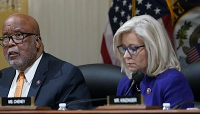 Liz Cheney calls out Kevin McCarthy in Bannon contempt hearing