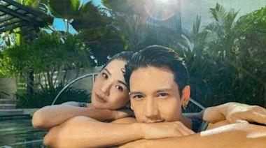 39歲蔡卓妍與41歲關智斌泳池嬉戲!二人舉止親密,男方肌肉太吸睛