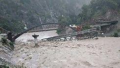 印度尼泊爾洪水土石流災情慘重 已奪116條人命