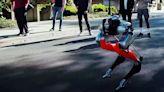 雙足機器Cassie創造歷史!在中途不充電情況下完成戶外5公里慢跑,跌倒還能自己爬起來